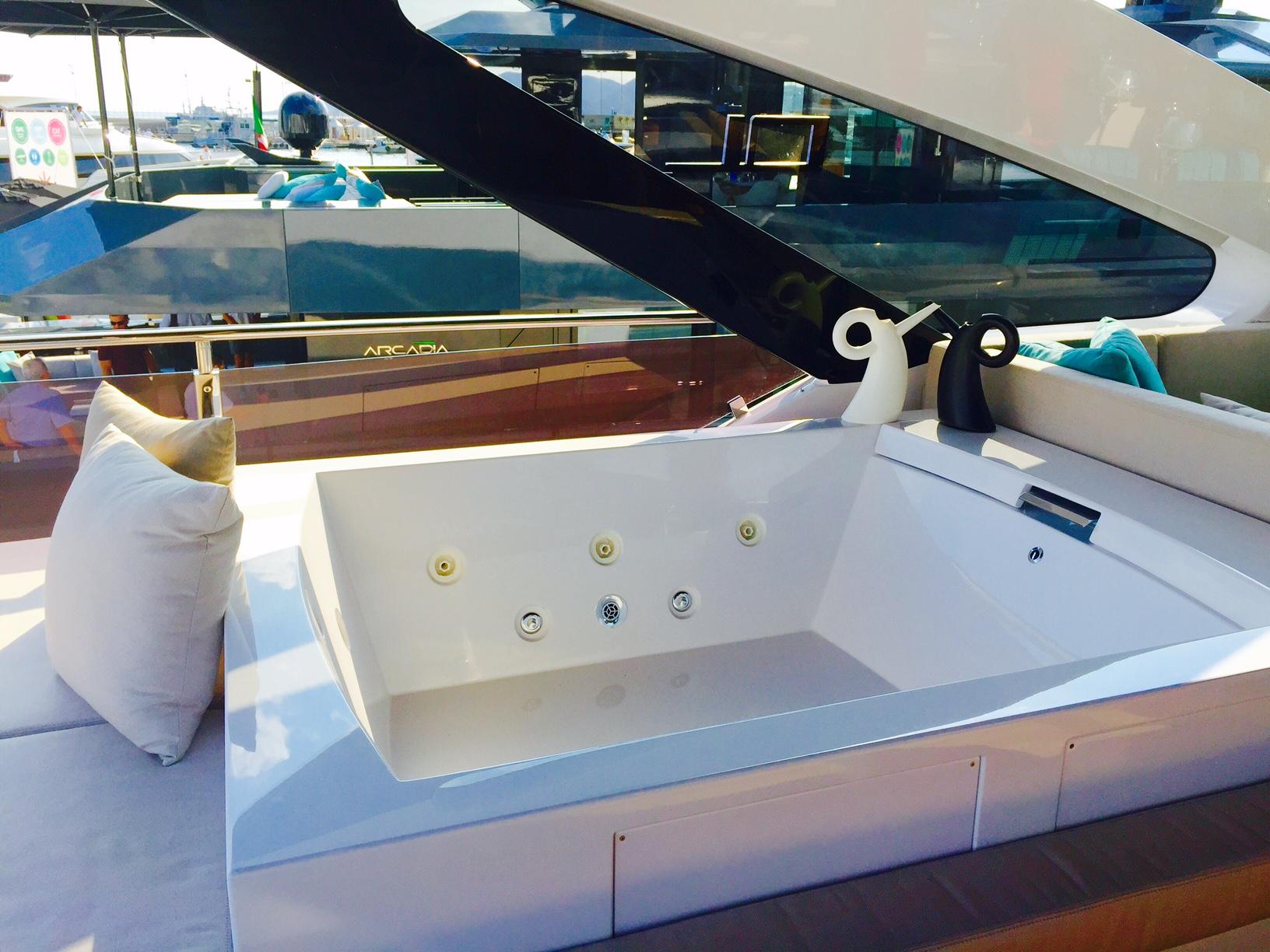 яхта Dreamline  в Каннах