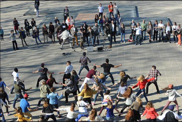 Флешмоб вокруг фестиваля танца