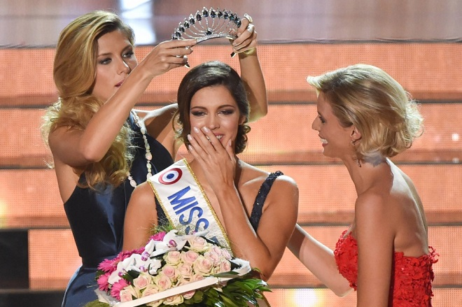 """Награждение """"Мисс Франция""""-2016"""