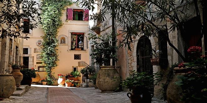 Переулок Ла-Тюрби
