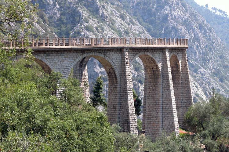 Мост в городе Соспель