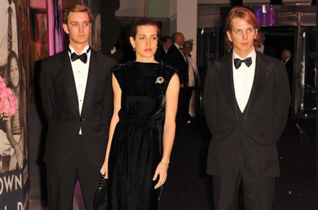 Андрея Казираги с братом и сестрой