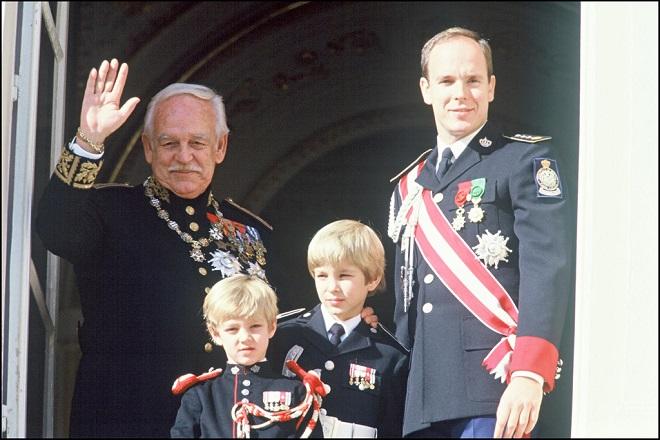 Пьер с Князем Ренье, Принцом Альбером и братом Андреа в 1992 году