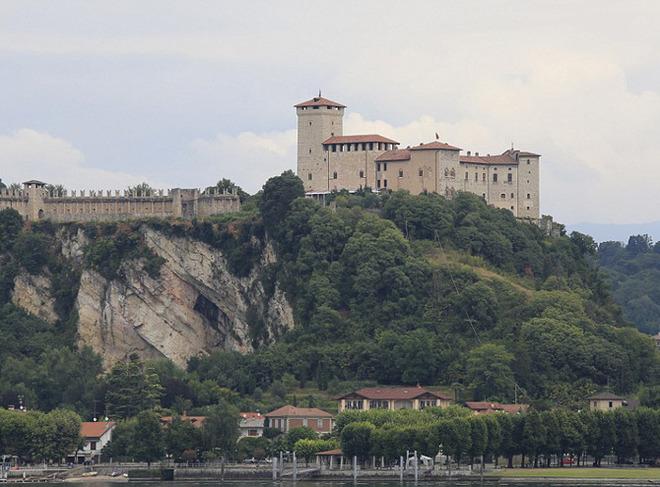 Замок рода Борромео