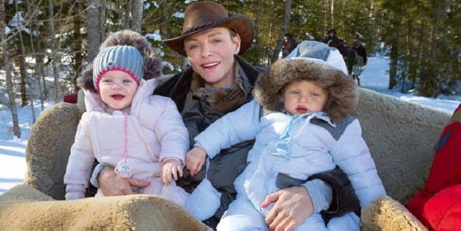 Шарлен с детьми в Гштаде