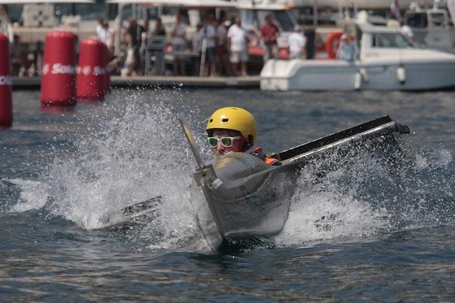 Гонки на лодках с солнечными батареями