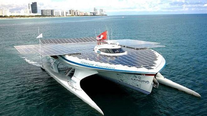 Яхты на солнечных батареях