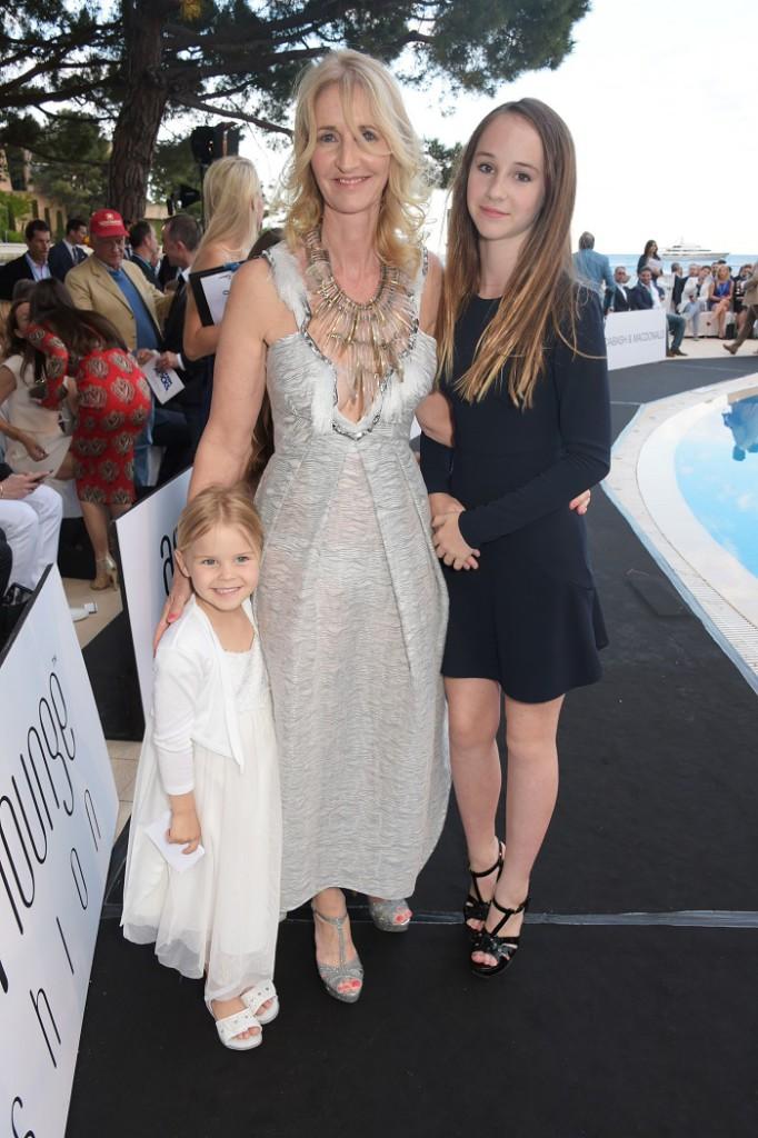Соня Ирвайн с дочерьми