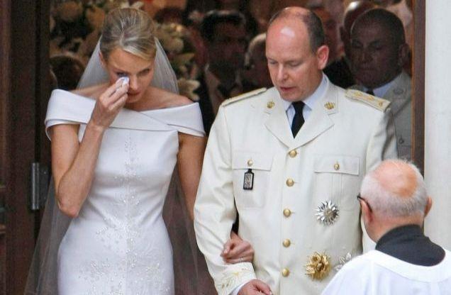 Шарлен расплакалась на свадьбе