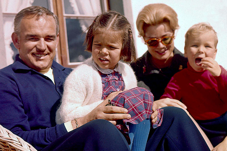 Князь Ренье с детьми, 1962 год