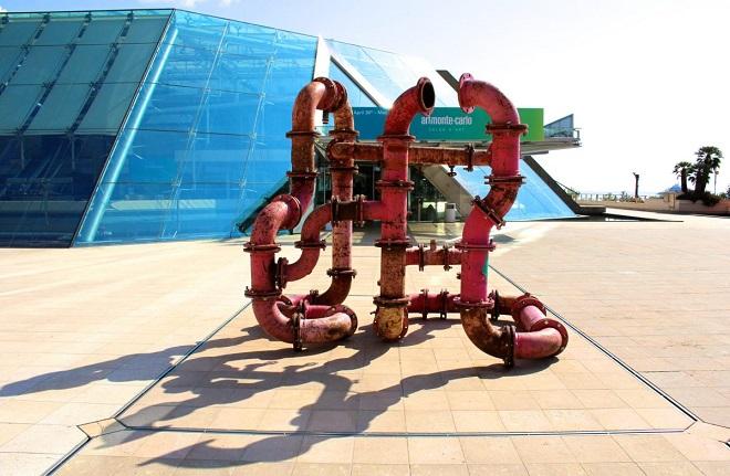 Инсталляция перед Grimaldi Forum