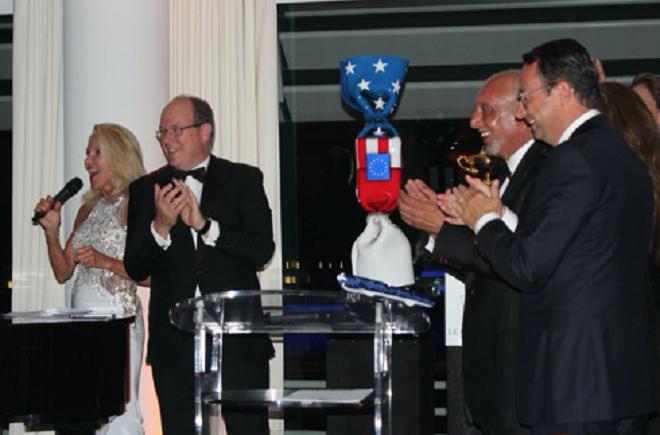 Кубок победителя первого любительского кубка Райдера в соревнованиях по гольфу