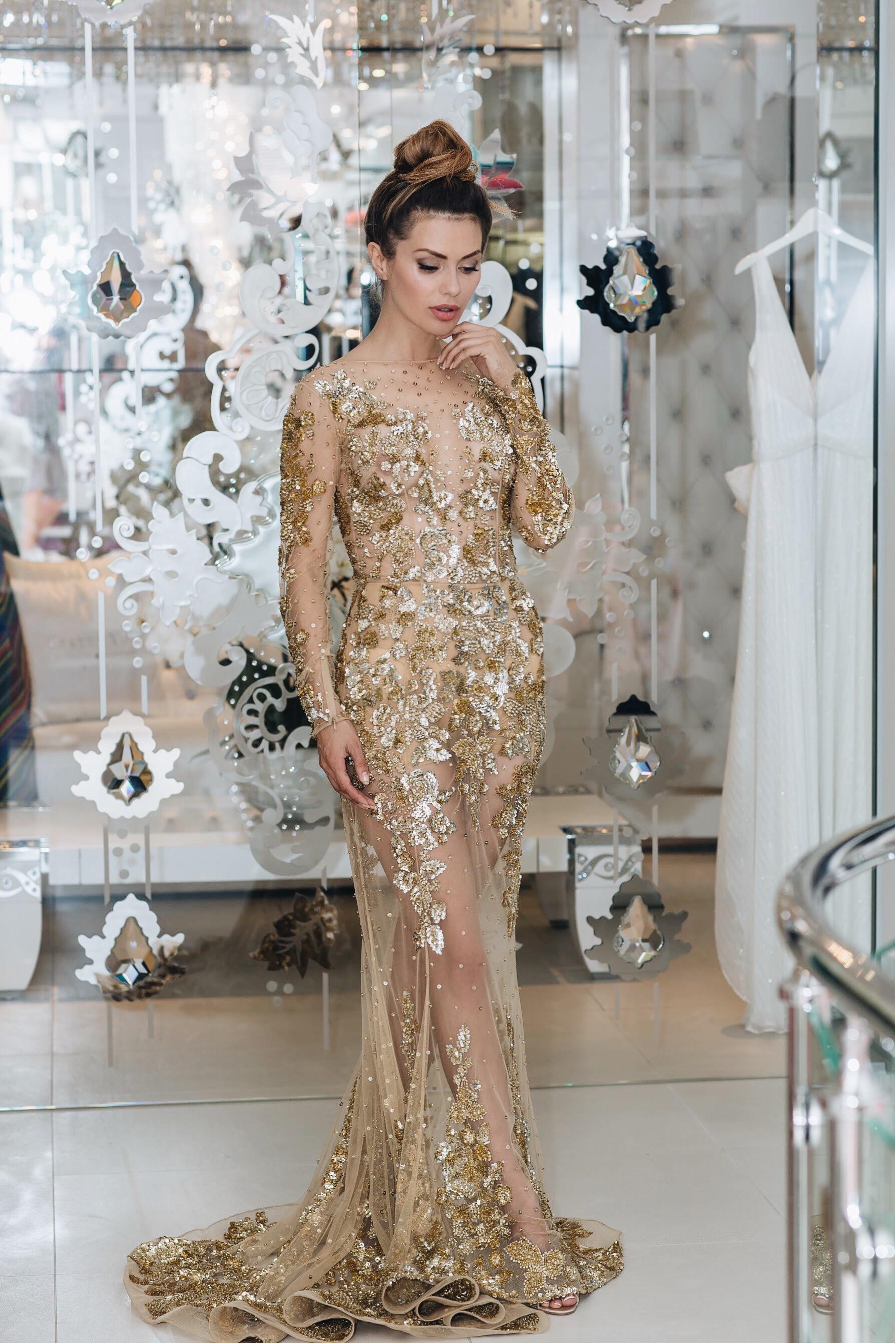 Золотое полупрозрачное платье Zuhair Murad