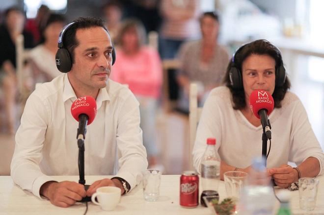 Стефания ведет программу на Радио Монако