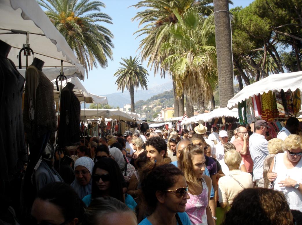 Вещевой рынок в Вентимилье