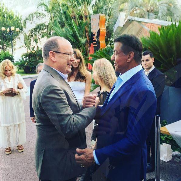 Князь Монако Альбер II лично поздравляет Сильвестра Сталлоне