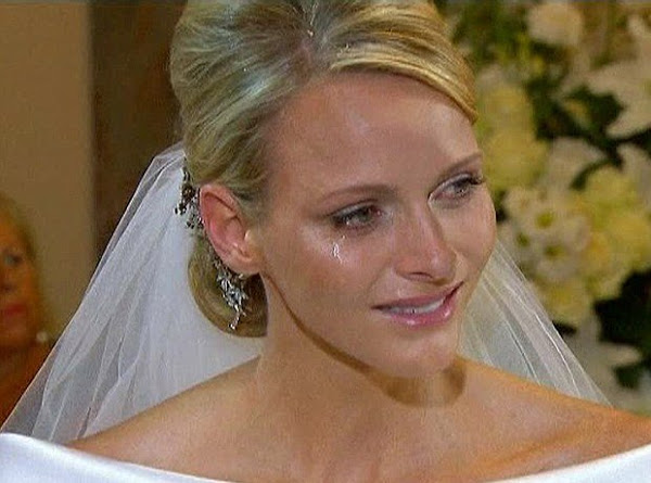 Шарлен всплакнула на свадьбе