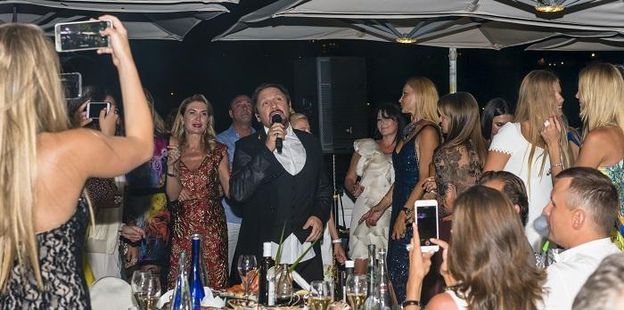 Стас Михайлов поёт на дне рождения La Marée
