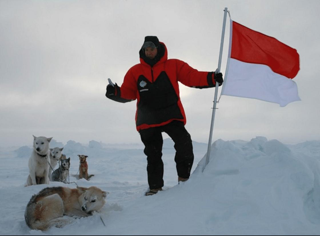 Князь Альбер II на Северном полюсе