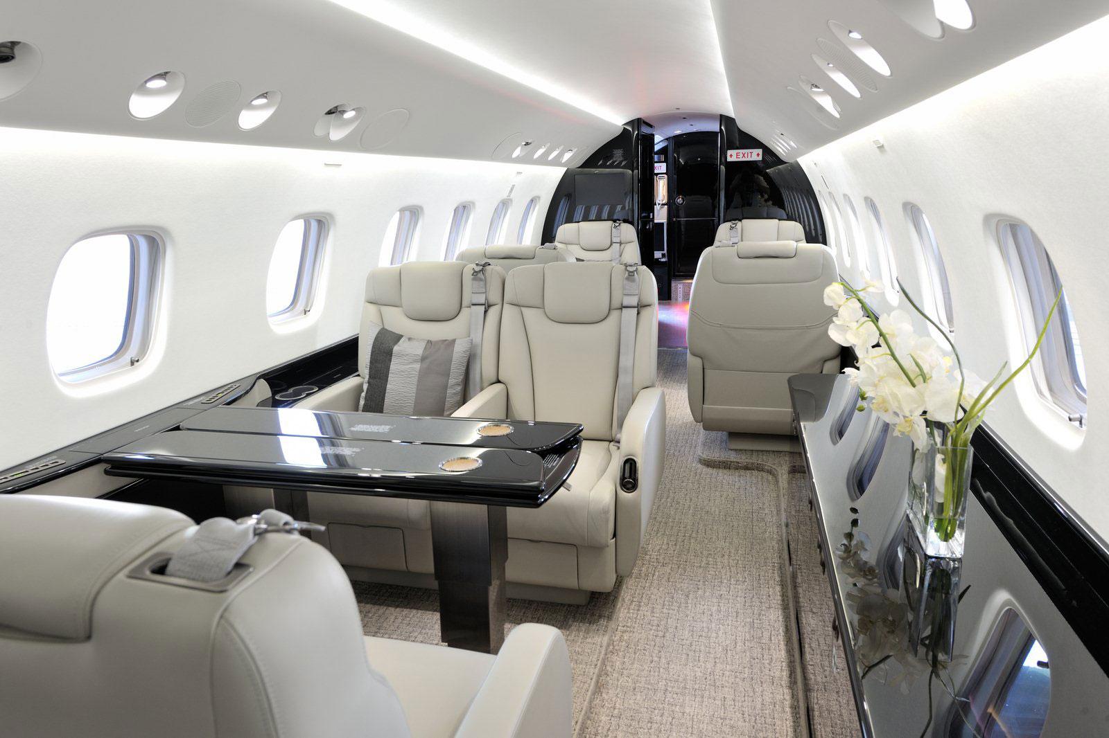 Кабина частного самолёта