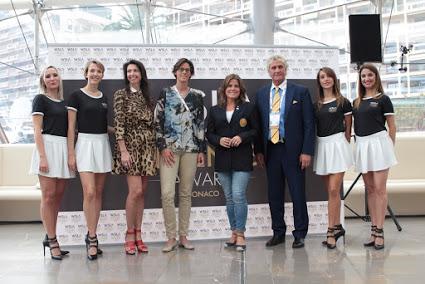Слева направо: Лорена Барикалла, Тиа Хеллебаут, Пернилла Виберг и Жан-Мари Пфаф