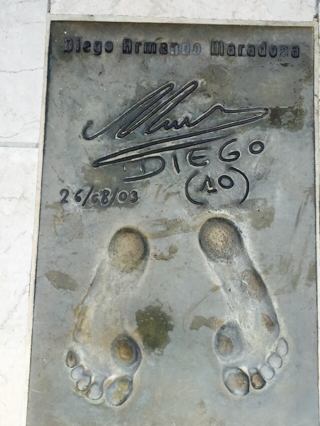 След Диего Марадоны на Аллее славы в Монако