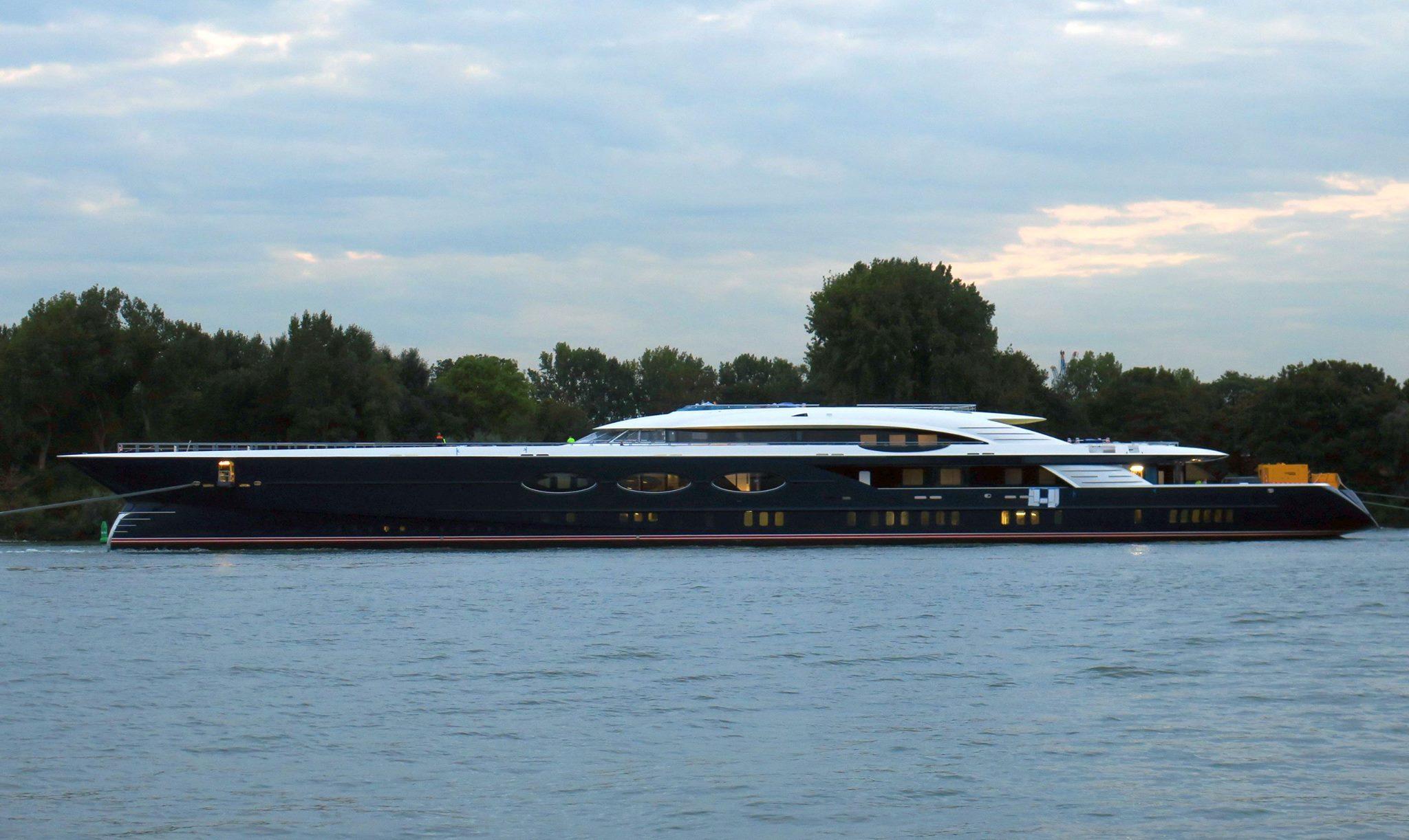 Суперъяхта Oceanco