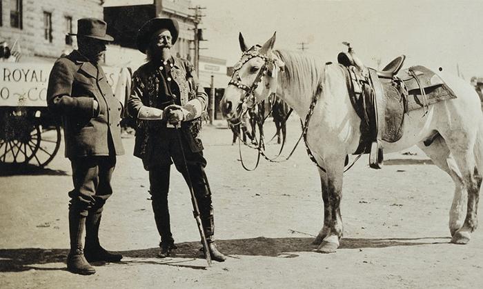 Альбер I с лошадью