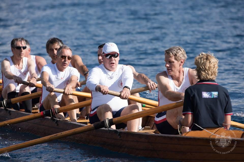 Альбер II и Джон Келли III с командой