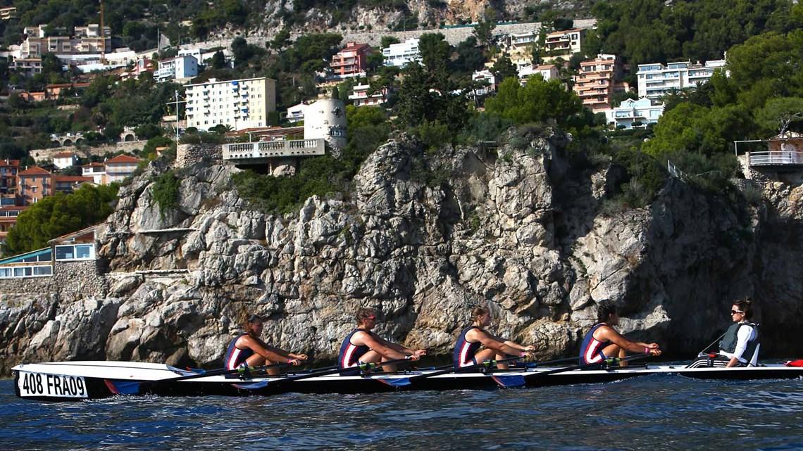 Золото в парной четверке среди женщин - у команды Франции