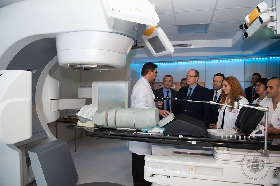 Визит Князя Альбера II в госпиталь