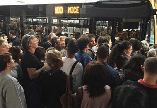 Драка в поезде с работниками железной дороги