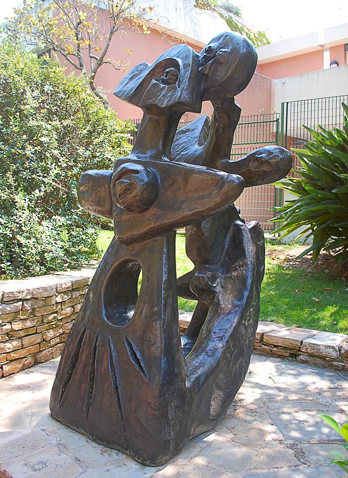 """Скульптура """"Брат и сестра"""""""