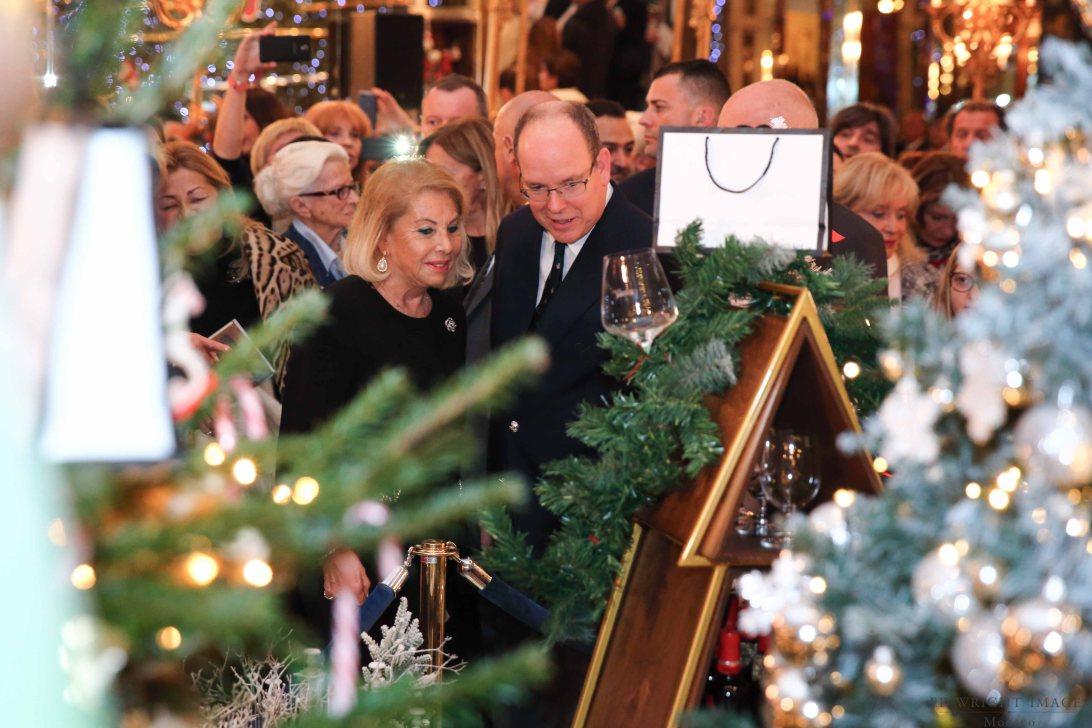 Князь Альбер II на Аукционе Рождественских елей