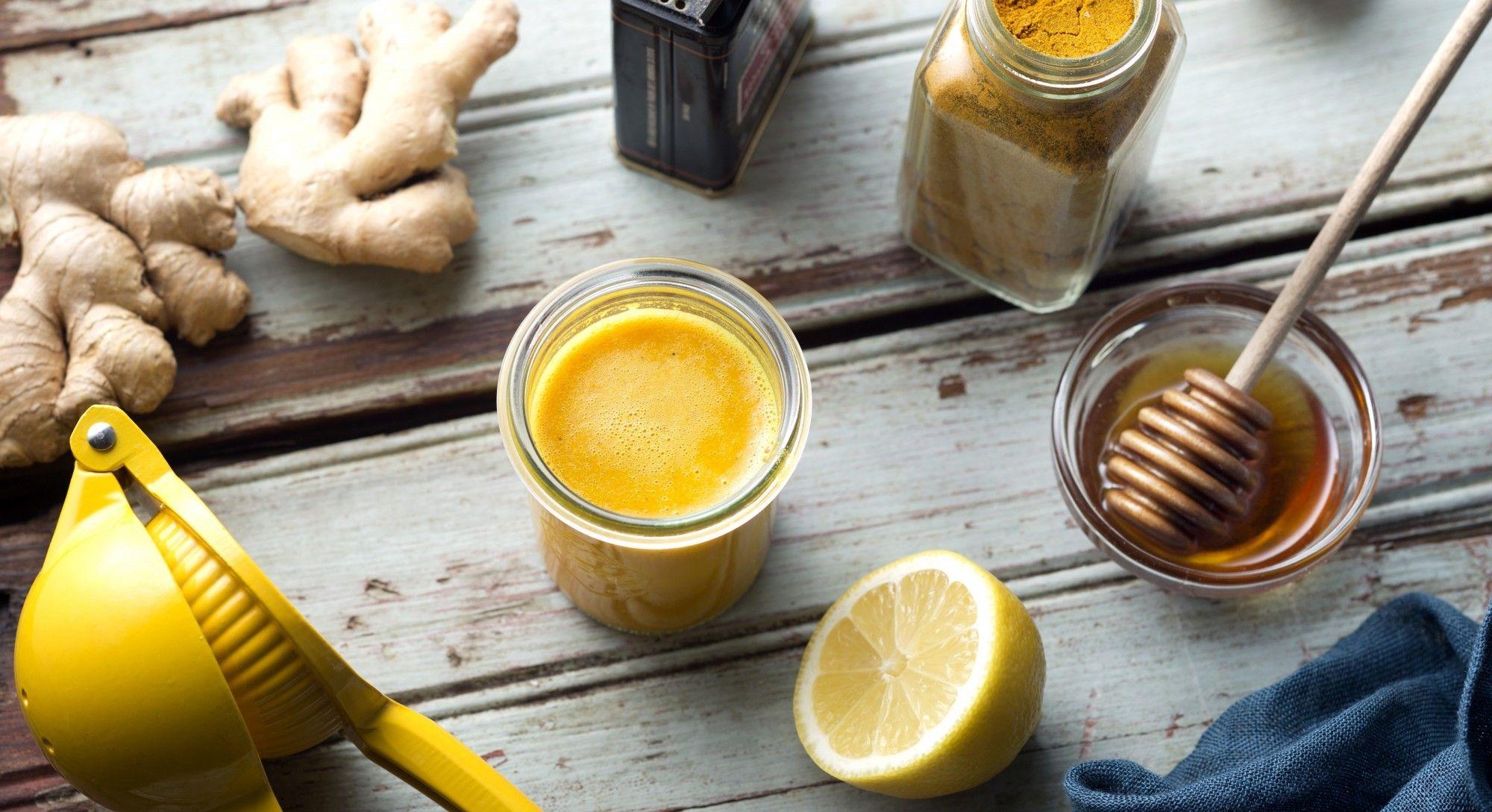 Волшебный шот из имбиря, лимона и куркумы