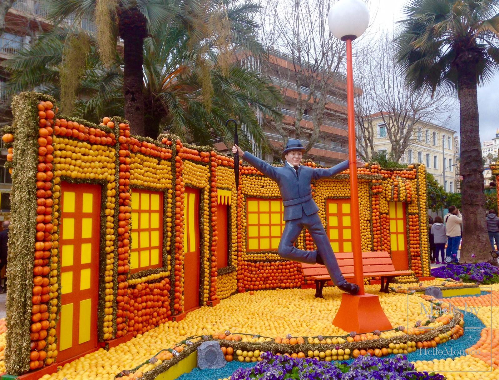 """Скульптура """"Поющие под дождём"""" на Фестивале лимонов в Ментоне-2017"""