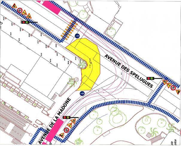 Ремонт на перекрестке улиц Мадоны (avenue de la Madone) и Спелюг (avenue des Spelugues)