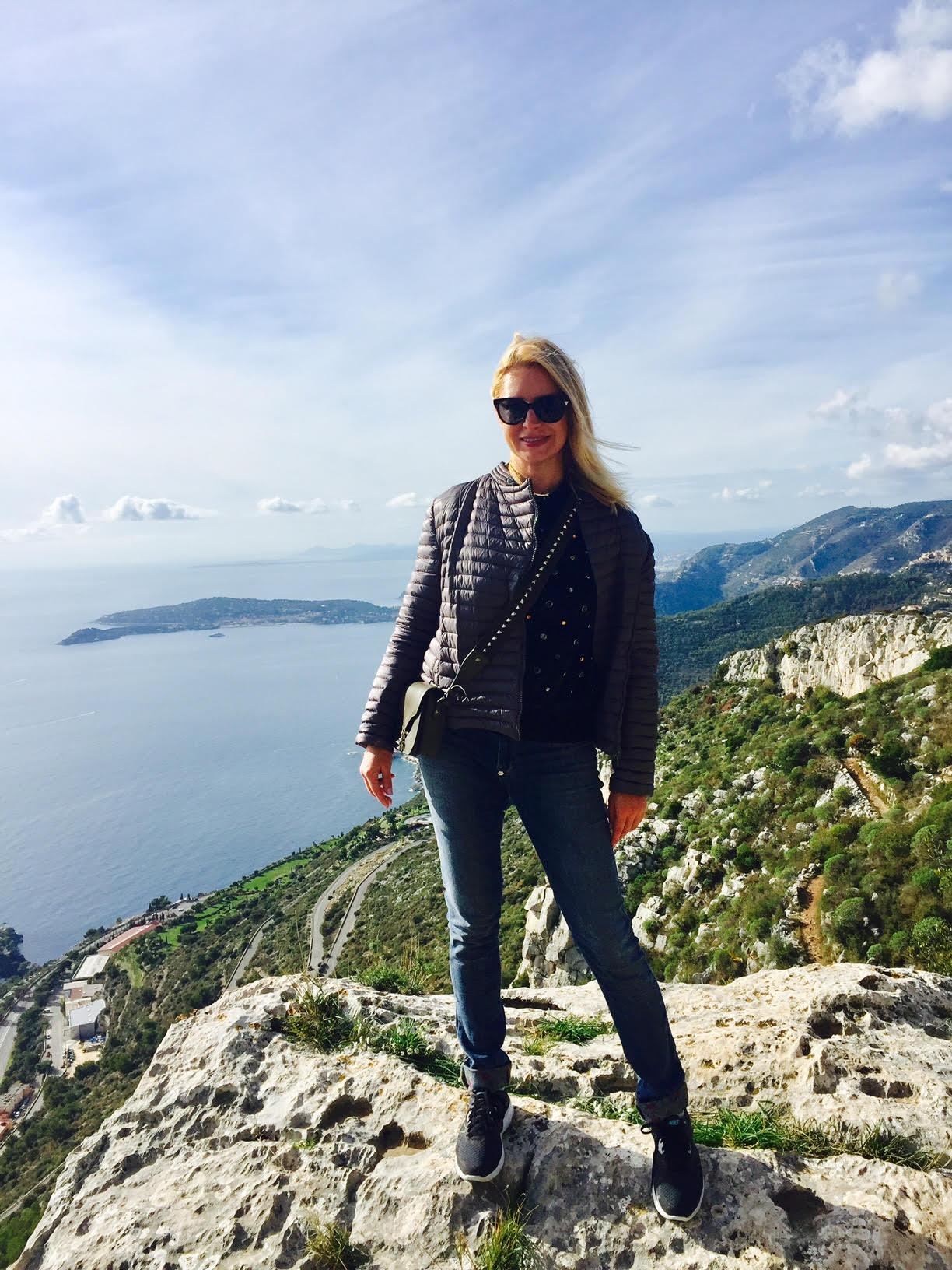 Главный редактор HelloMonaco Ольга Таран на горе горе Tête de chien
