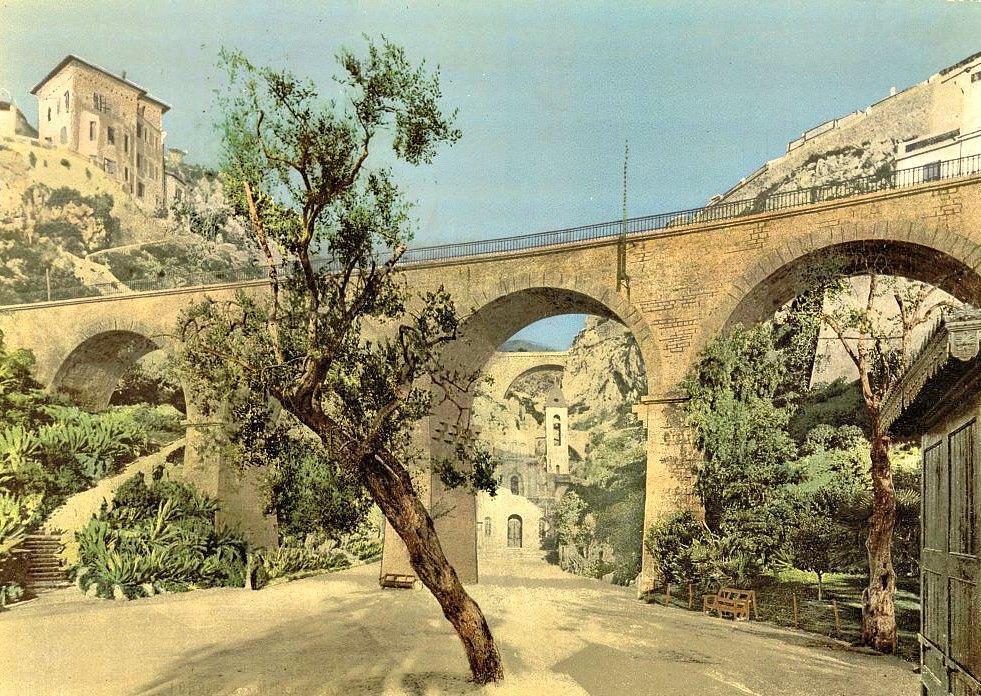 Виадук Святой Девоты