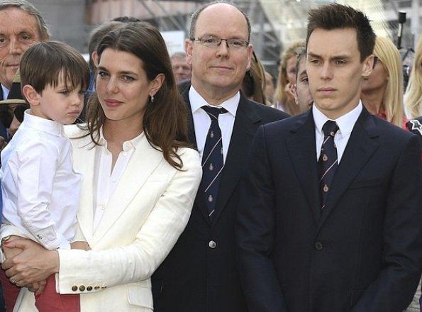 Княжеская семья на Формуле Е