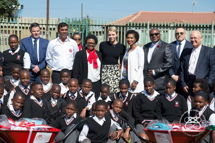 Шарлен посетила Африку
