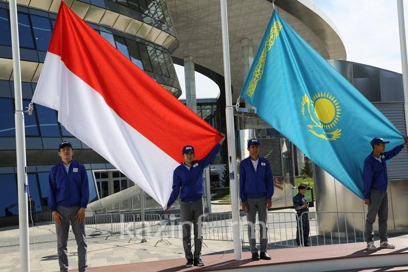 ЭКСПО-2017: Альбер II провел экскурсию для Нурсултана Назарбаева