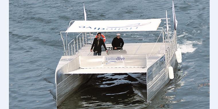 В Монако прибыл первый катамаран на солнечных батареях