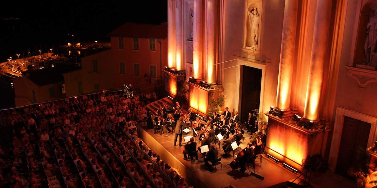 Ежегодный музыкальный фестиваль в Ментоне