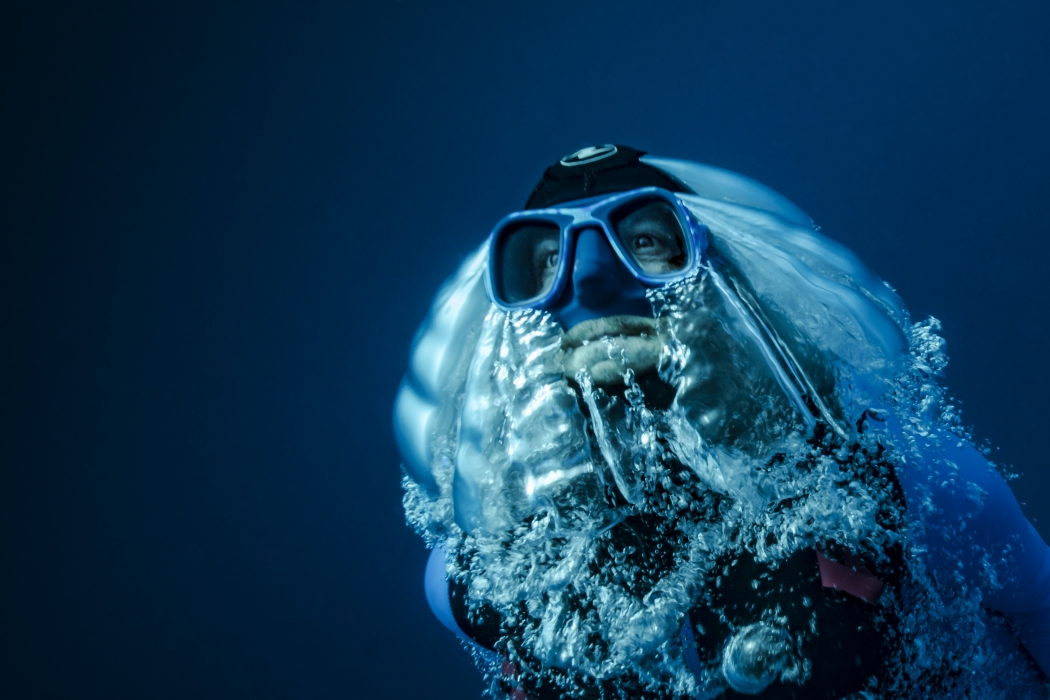 Пьер Фролла - человек, который летает в воде