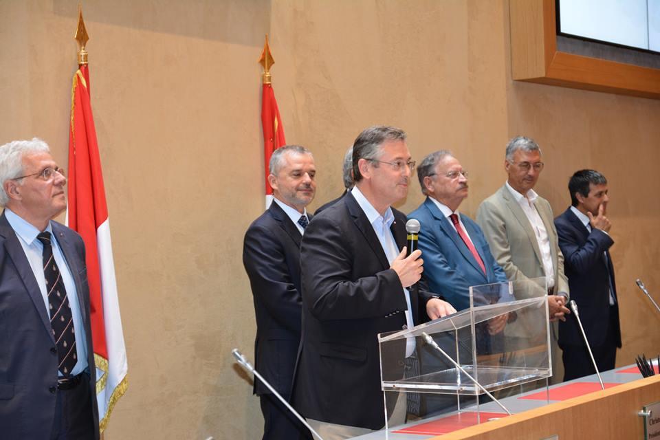 Национальный совет поздравил выпускников с отличными результатами