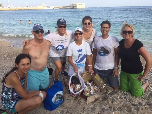 Ассоциация «The Animal Fund» устроила морскую уборку в Кап-д'Ай