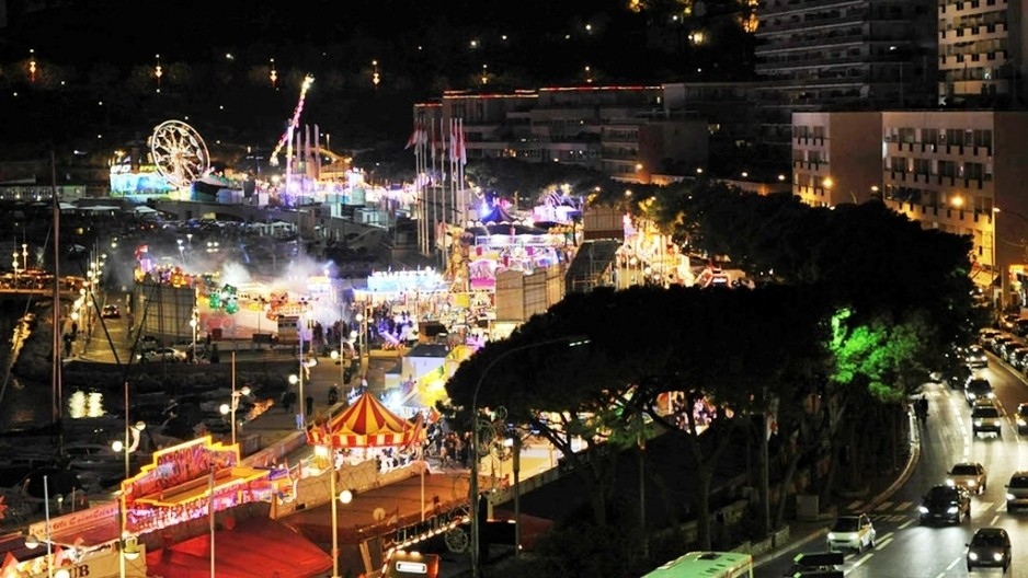 Ярмарка FunFair в Порту Эркюль