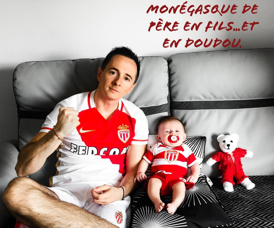 На официальное фото ФК «Монако» попали два болельщика
