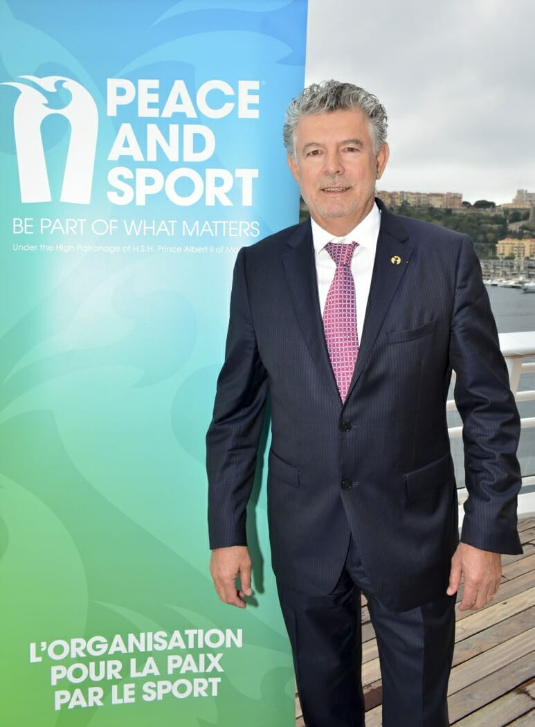 Жоэль Бузу о том, как спорт может вылечить мир